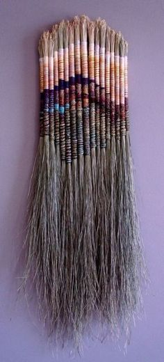 Fiber Sculpture - no link, but not difficult to recognize horsehair tightly wrap. - Art World Weaving Projects, Weaving Art, Loom Weaving, Tapestry Weaving, Art Fibres Textiles, Textile Fiber Art, Arts And Crafts, Diy Crafts, Nature Crafts
