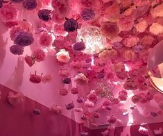 Image discovered by ♡🅻🅰🅳🅴🅴_ORCHARD♥︎. Find images and videos about pink, aesthetic and flowers on We Heart It - the app to get lost in what you love. Aesthetic Rooms, Aesthetic Grunge, Aesthetic Vintage, Aesthetic Pastel, Orange Pastel, Fuchsia, Rosa Vintage, Girly, Pink Room