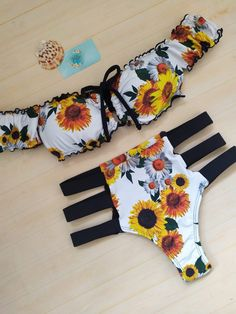 Festival Looks, Swin Suits, Sport Bikini Set, Bikini Inspiration, One Shoulder Swimsuit, Girls Bathing Suits, Sunflower Print, E 10, New Outfits