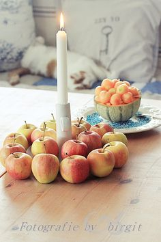 Äpfel als Deko Candles, Dekoration, Candy, Candle Sticks, Candle