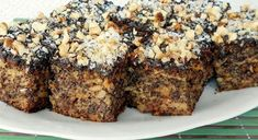 Makovo-jablkové rezy - Receptik.sk Banana Bread, Cookies, Cake, Desserts, Homeland, Food, Basket, Crack Crackers, Tailgate Desserts