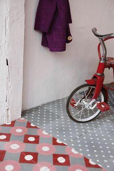 Original concrete tiles | More photos http://petitlien.fr/carreauxciment