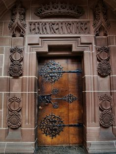 Could a door hold more fascination than this one? Hmmm, what could be beyond?