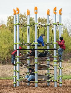 Disc Net Climber - Revolutionary Climbing Core Structure for Kids Kids Indoor Playground, Natural Playground, Playground Design, Playground Ideas, Cool Playgrounds, Backyard Obstacle Course, Commercial Playground Equipment, Urban Intervention, Tree House Designs