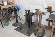 Metal Working Tools, Old Tools, Vise Stand, Blacksmith Tools, Tool Shop, Garage Tools, Homemade Tools, Shop Ideas, Cool Gadgets