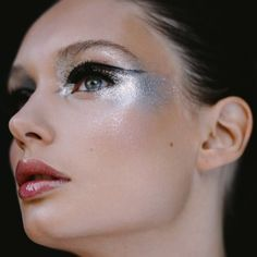Crazy Silver Makeup Looks for Inspiration | ko-te.com by @evatornado |