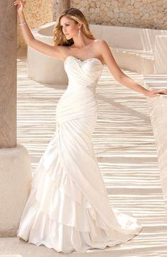 Elegant Island wedding dress Stella York 5594