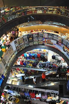 Mustafa 24 Hour Shopping Center in Singapore is the only place where you can do your shopping at three o'clock in the morning.