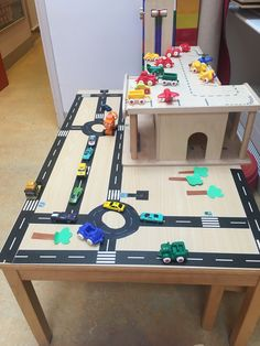 Dramatic Play, Hot Wheels, Kids Rugs, City, Ideas, Home Decor, Recycling, Furniture, Projects