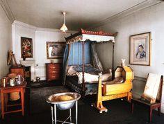 Queen Mary's Dolls House - Night Nursery