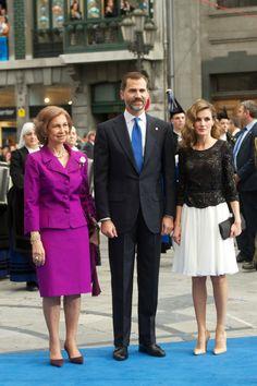 MYROYALS - HOLLYWOOD: Queen Sofia, Prince Felipe and Princess Letizia of Spain
