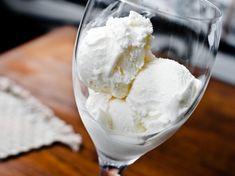 white-wine-frozen-yogurt