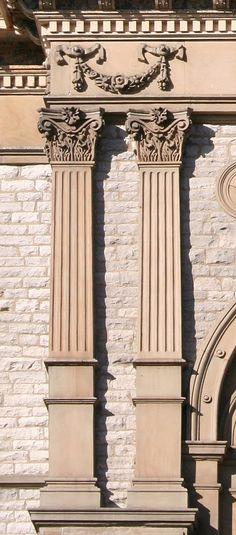 flach vorgeblendete Säule=Pilaster