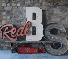 tiefgang: Custom Lettering by Sideshow Sign Co.