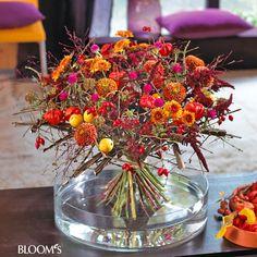 Herbststrauß natürlich und farbenfroh: Strauß mit Beeren und Früchten