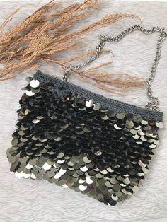Items similar to Sequin crochet bag, handmade bag, crochet bag, handmade bag, clutch on Etsy Bag Crochet, Crochet Purses, Crochet Chart, Custom Tote Bags, Fabric Handbags, Casual Bags, Handmade Bags, Clutch Bag, Material