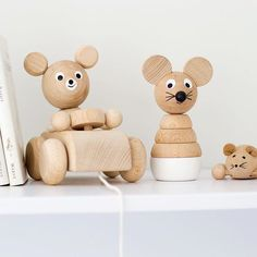 Pull Along Teddy in a Car & Wooden Mouse Stacking Puzzel