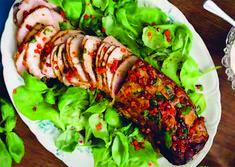 Balsamicomarinerad fläskfilé är en lättlagad och välsmakande bufférätt. En perfekt rätt som går utmärkt att förbereda i tid innan festen eller middagen.