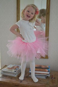 4eb32274 Sy et tyllskjørt på under en time! | Serine syr | Kids clothes | Kids  outfits, Sewing patterns for kids, Skirts for kids