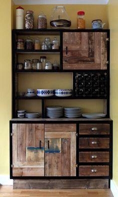 DIY virtuvės vitrina
