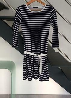 À vendre sur #vintedfrance ! http://www.vinted.fr/mode-femmes/robes-midi/28222560-robe-mariniere-t36