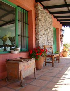 54 Best Ideas For Rustic Outdoor Patio Ideas Terraces Shabby Chic Patio, Rustic Patio, Rustic Outdoor, Hacienda Decor, Hacienda Style, Small Outdoor Patios, Outdoor Rooms, New Patio Ideas, Porch And Terrace