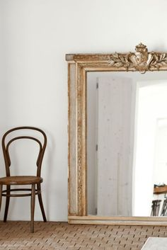 A mirror that reflects both light & people, startles guests as they enter, and scatters incoming chi. Trumeau, Deco Retro, Ivy House, Beautiful Mirrors, Floor Mirror, Mirror Mirror, Mirror Tiles, Home And Deco, Home Living