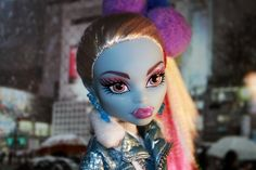 365 Toy project- Day 9 ~Tokyo Lights (Monster High Abbey)