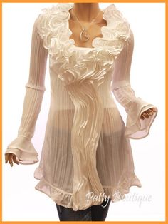 so feminine  :) (I have this one in black....Amy @ FourSistersInACottage.com)