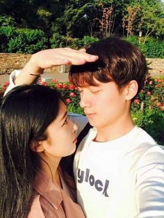 Discover and share the most beautiful images from around the world couples coréens, korean couple Cute Couple Quotes, Cute Couple Pictures, Couple Photos, Couple Goals, Cute Couples Goals, Mode Ulzzang, Ulzzang Girl, Most Beautiful Images, Beautiful Couple