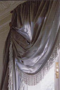Fancy drapering og bullion fringe