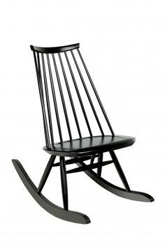 Mademoiselle Rocking Chair, por Ilmari Tapiovaara, para a Artek. Mademoiselle Rocking Chair, by Ilmari Tapiovaara, for Artek. Alvar Aalto, Nordic Design, Modern Design, Chair Design, Furniture Design, Vitra Design, Wooden Rocking Chairs, Wooden Armchair, Design Moderne