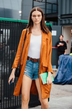 STYLE BY MODELS Street style outfit ootd fashion style models style beautiful girls Ootd Fashion, Fashion Photo, Fashion News, Fashion Models, Fashion Outfits, Street Fashion, Fashion Women, Model Street Style, Models Style