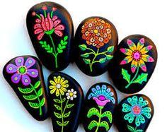Risultati immagini per pennarelli per dipingere sassi