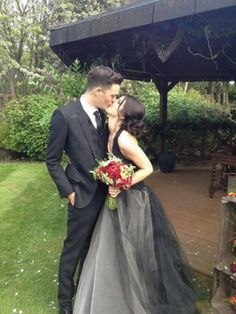 Shenae Grimes wore a black Vera Wang wedding gown with a halter neckline and ball gown skirt to her 2013 wedding to Josh Beech. Non White Wedding Dresses, Alternative Wedding Dresses, Wedding Dresses Photos, Wedding Pictures, White Weddings, Spring Weddings, Dress Wedding, Wedding Bride, Wedding Table