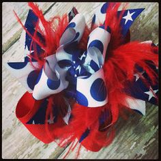 Perfect hair bow for the 4th of July! via Honey Pie Accessories