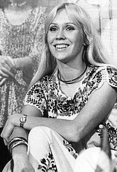 'Agnetha's most dazzling smile' thread..and about time, too! - Seite 7 | www.abba4ever.com