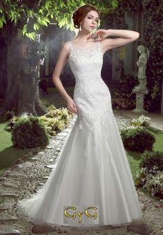 Vestido Novia Demi 2017. Con un exquisito diseño romántico se presenta el vestido de novia Demi, perfecto para lucir un aspecto juvenil debido al precioso y actual encaje floral con el que está realizado.