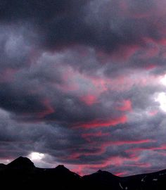 Dark Clouds have pink linings!  I'm going to do a pastel of this!