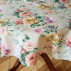 Kids Curtains, Curtains Living, Panel Curtains, Oval Tablecloth, Christmas Table Cloth, Rectangle Table, Table Linens, Vintage Flowers, Flower Prints