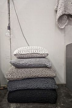 Knit One, PearlTwo - lookslikewhite Blog - lookslikewhite. For the perfect pillow fight.