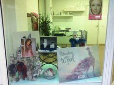Nueva decoración para el #escaparate :) #palecustomizado #novedades
