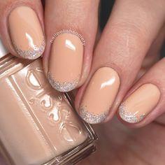 Nail Polish Society: 31DC2016 Day 17: Glitter Tips