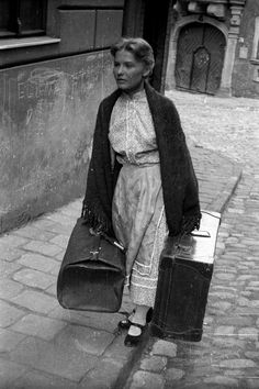 Törőcsik Mari nyolc és fél évtizede képekben | 24.hu Best Actress Award, Jean Cocteau, National Theatre, History Photos, The Masterpiece, Big Star, Eastern Europe, Historical Photos, Hungary