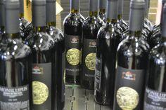 Monslupus, Tenuta del Monsignore, San Giovanni In Marignano (RN) - #wine #bottles #good #rimini #italy #redwine San Giovanni, Wine Recipes, The Good Place, Bottle, Drinks, Eat, Food, Meal, Flask