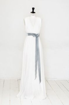 elfenkleid: feel modern yet romantic white dolphine