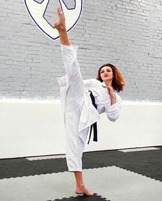 Female Martial Artists, Martial Arts Women, Female Fitness, Fitness Models, Karate Girl, Beautiful Athletes, Art Women, Strong Women, Madness