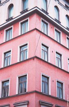 Wat blijkt? Mijn analoge Minolta blijkt de sfeer van een in zichzelf gekeerde stad als Helsinki perfect vast te kunnen leggen. As it turns out, my analog Minolta captures a cold, introverted city like Helsinki perfectly.