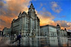 After the brief snow fall came a brilliant sunset and sky over Liverpool city centre. Liverpool Logo, Liverpool City Centre, City Photography, Photography Portfolio, Documentary Photography, Tower Bridge, New York Skyline, Sunrise, England