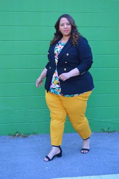 Kicking Off Summer With Lane Bryant At The Shops At Wiregrass In Wesley Chapel – Estrella Fashion Report Plus Size Suits, Plus Size Blazer, Wesley Chapel, Yellow Pants, Summer Trends, Summer Wardrobe, Lane Bryant, Kicks, Shops